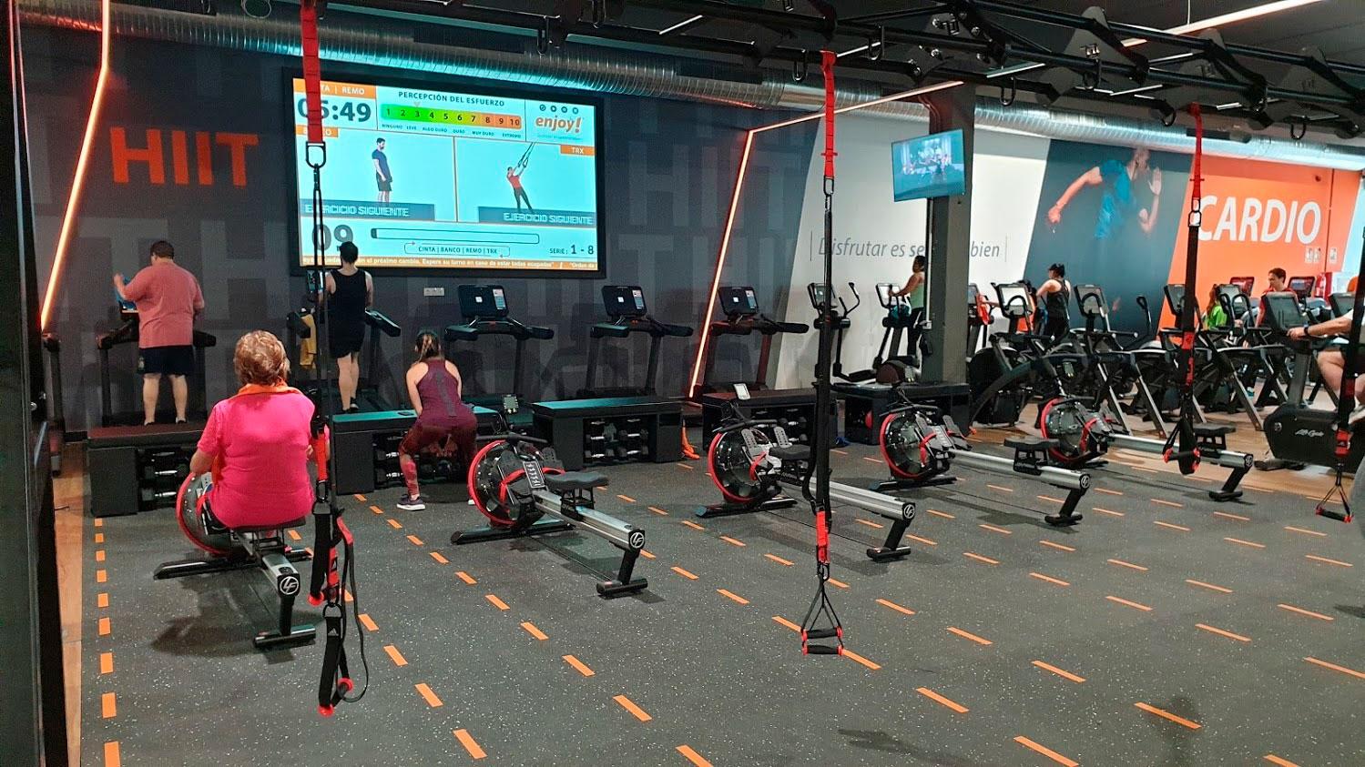 zona hiit entrenamiento con control pantalla